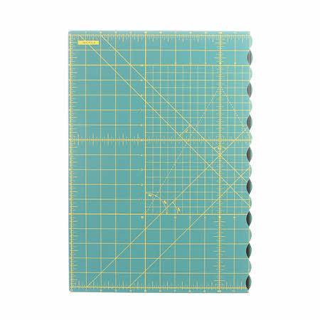 Folding Cutting Mat 17in x 24in
